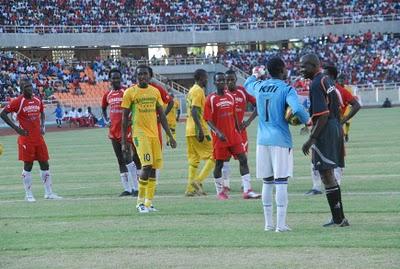Der Schiedsrichter sorgte für einigen Unmut, vor allem auf Seiten der Yanga.