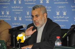Abdelilah Benkirane auf einer Pressekonferenz der PJD