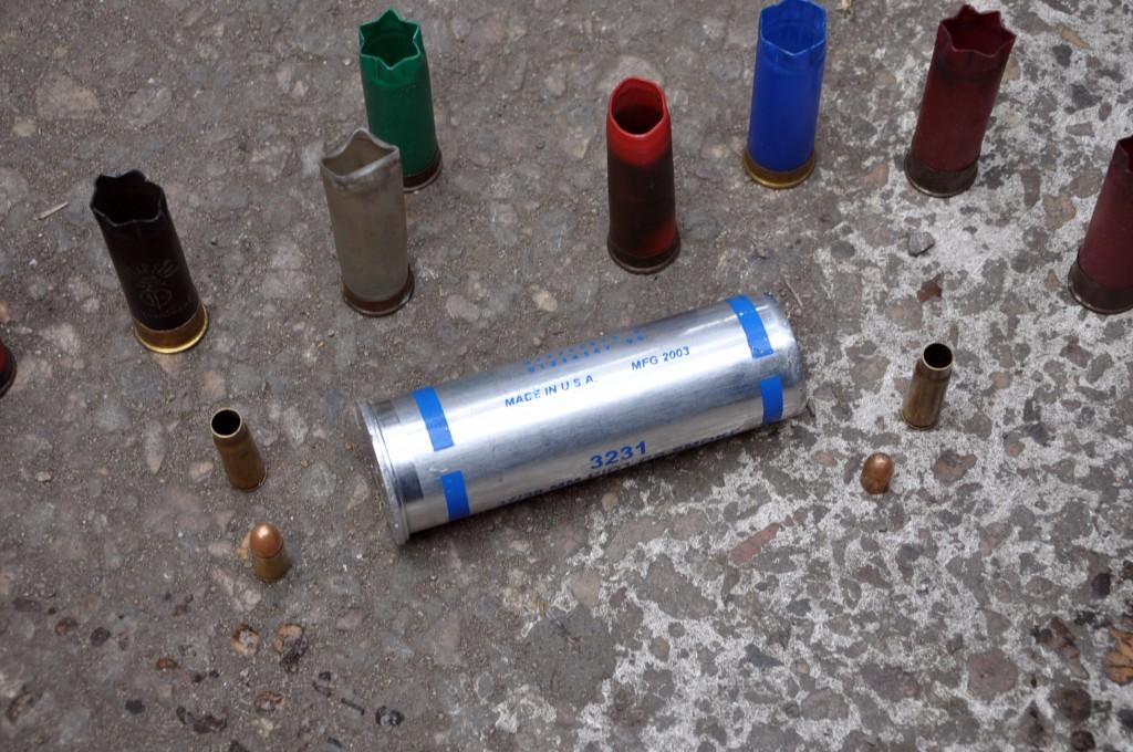"Tränengasgranaten in Kairo mit der Aufschrift ""Made in USA"" - Copyright: Floris van Cauwelaert"