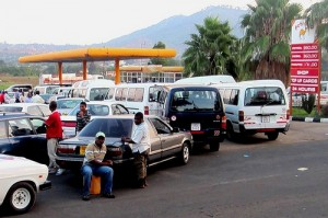 Fuel assistance could make long queues at Malawi's filling stations disappear. Copyright: Travis Lupick