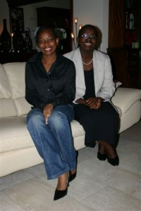 Raïssa Ujeneza and her mother Victoire Ingabire visiting family friends in September 2006. © Private
