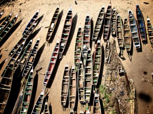 No competition to international trawlers: Boats parked at Dakar's Soumbedioune fish market for the well deserved break on Sunday. © Jeff Attaway