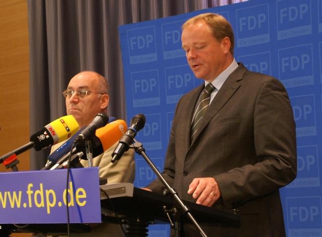 """Dirk Niebel: """"Mit jedem Euro Entwicklungszusammenarbeit fließen langfristig zwei Euro zurück zu uns"""""""
