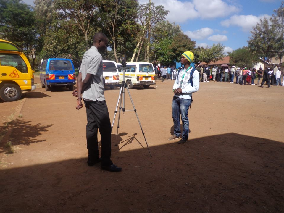KNN reporters on the scene, © Map Kibera