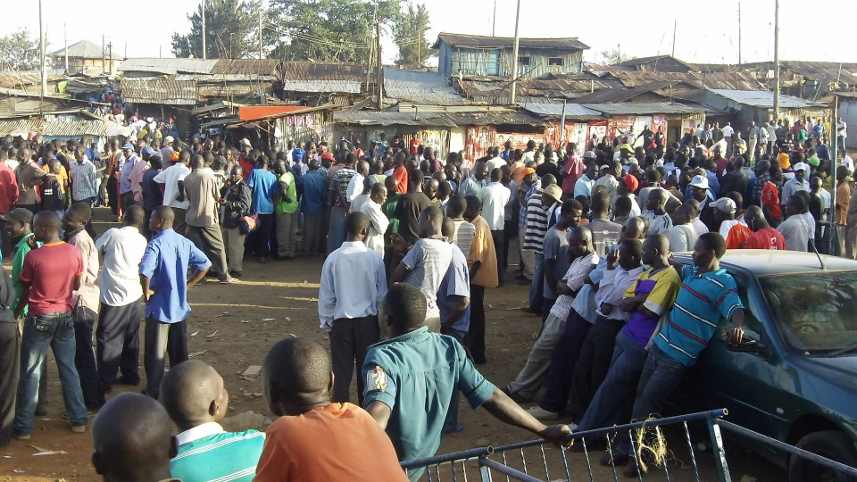 Kibera residents awaiting election results, © Map Kibera