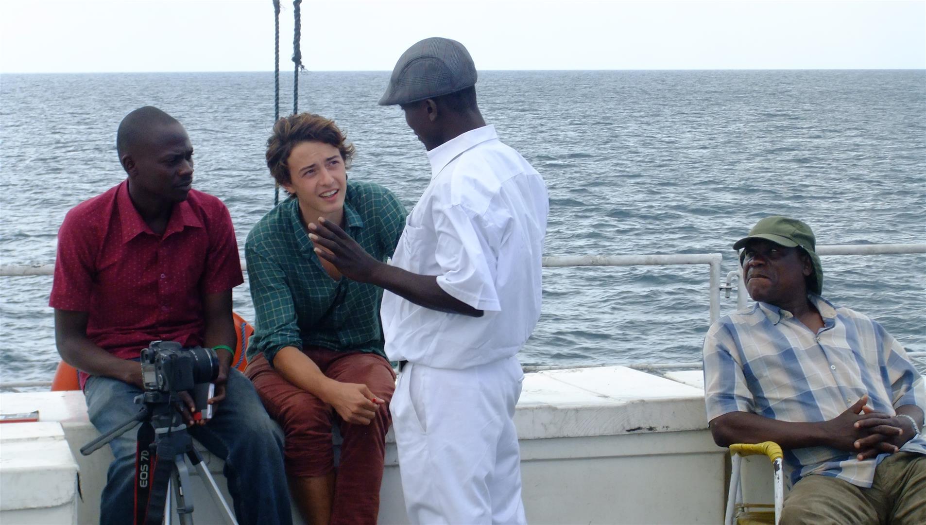 Ein Teil des Films entstand auf dem Malawi-See, genauer auf der Ilala, die Fähre auf der Masina arbeitet und die Lebenswichtig ist für viele Inselbewohner.