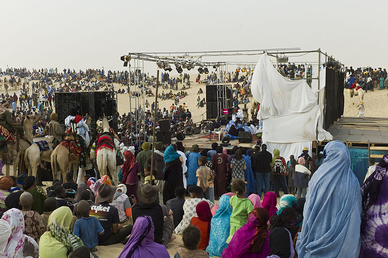 Audience at Festival au Désert in Timbuktu - © Alfred Weidinger