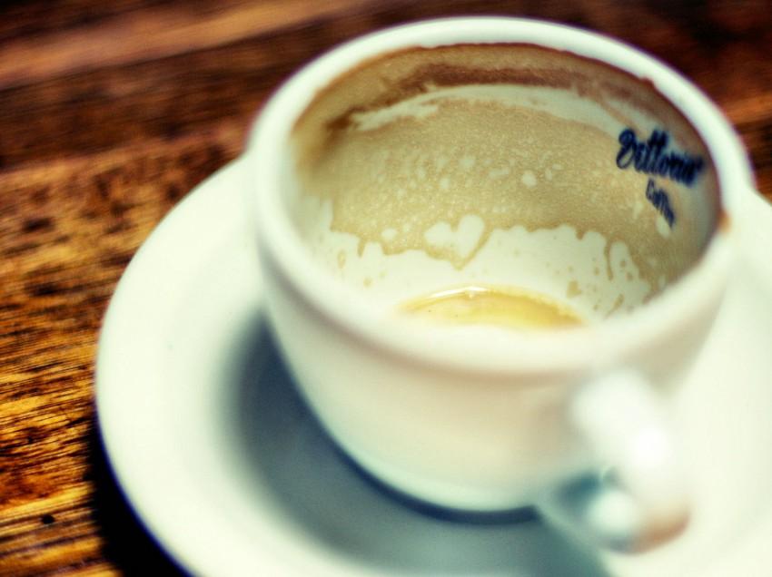 At the coffee machine (poem)