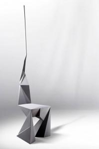 Kossi Aguessy, »Useless Stool«, 2008, Stuhl, © Kossi Aguessy, Foto: Masaki Okumura